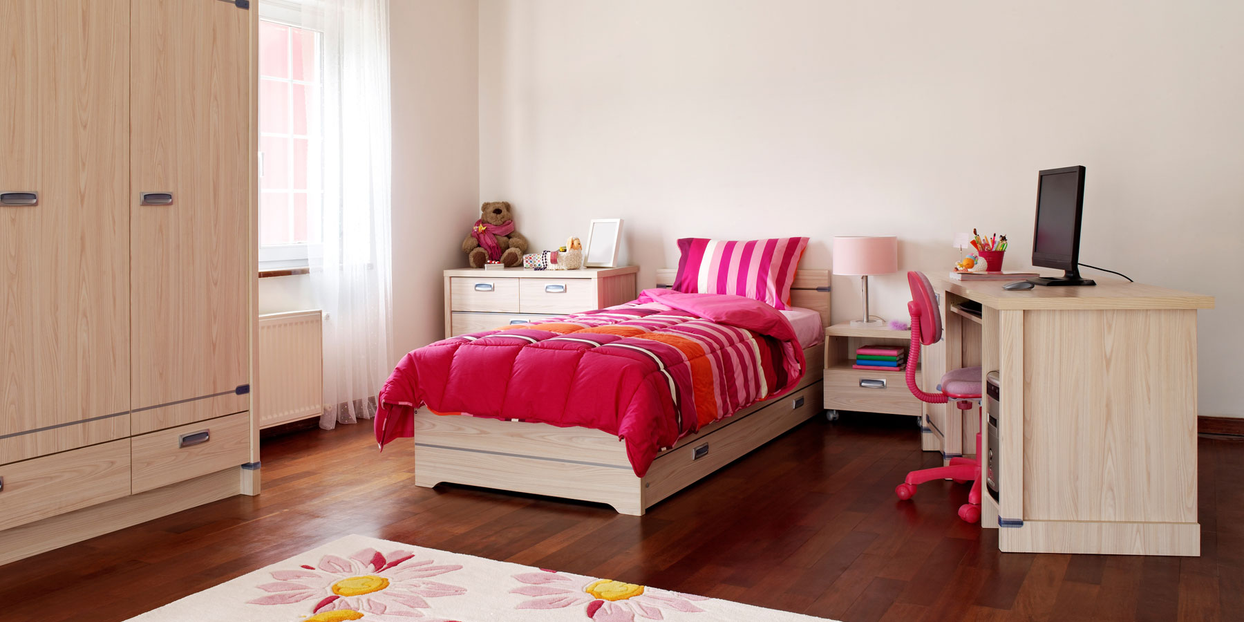 twin long bedroom