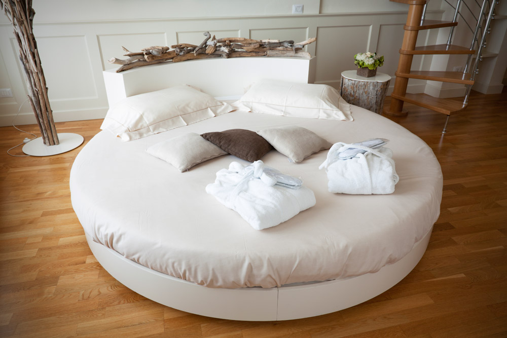 Custom made round bed! We can do it!